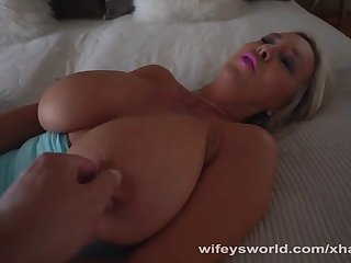 masterbating milf wants your cum in her mouth