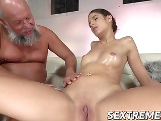 young bunny love fingering before riding old cock